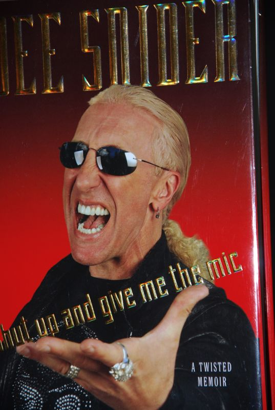 Candy Reads - Book review about DeeSnider, by Dee Snider of Twisted Sister